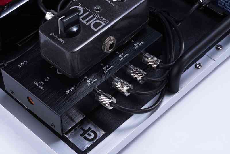 Solderless DC Cable w Power Supply.jpg